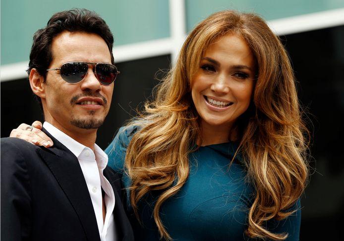 Jennifer has twins with Mark.