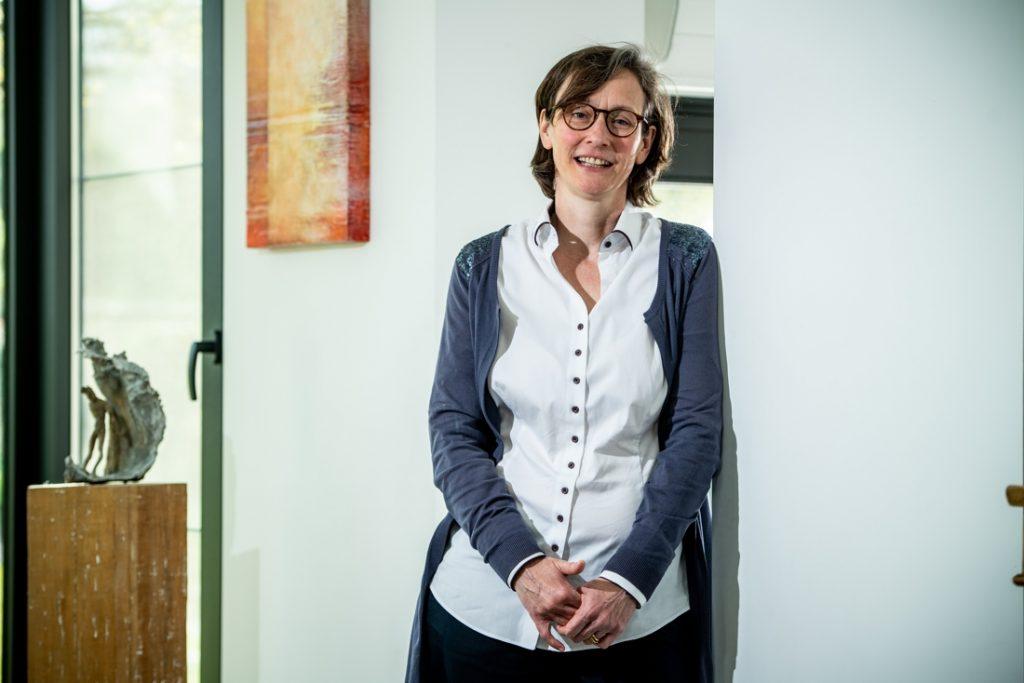 """Hoofd vaccinologiecentrum KU Leuven: """"Streven naar 90 procent groepsimmuniteit in plaats van 70"""""""