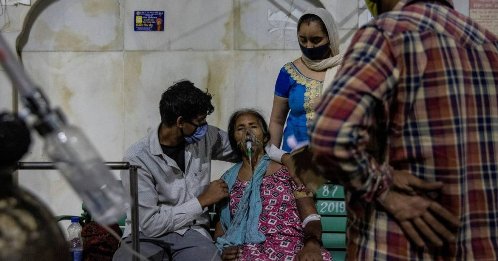 India begs for oxygen: Patients die on streets    Corona Virus