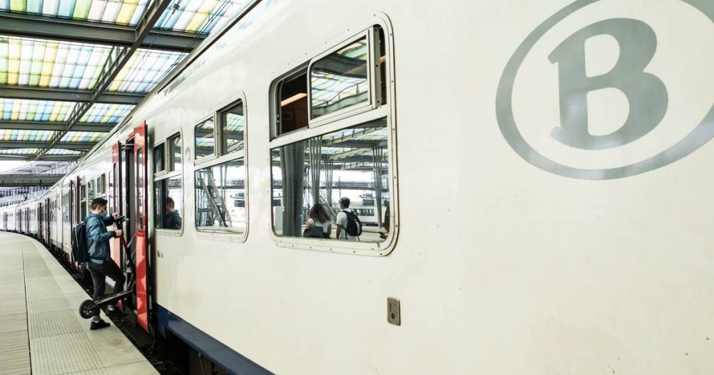 NMBS must guarantee more early and late trains |  The interior