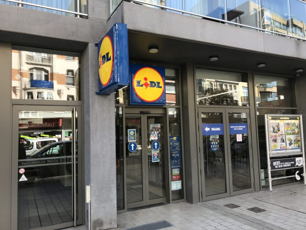 The labor union shuts down Lidl warehouses on Friday