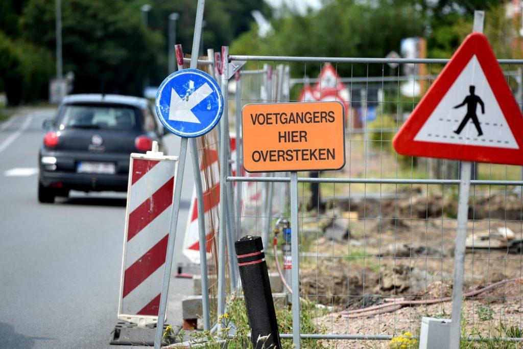 """Nederlandse bouwsector waarschuwt: """"We willen toch geen gaten in de weg, zoals in België?"""""""