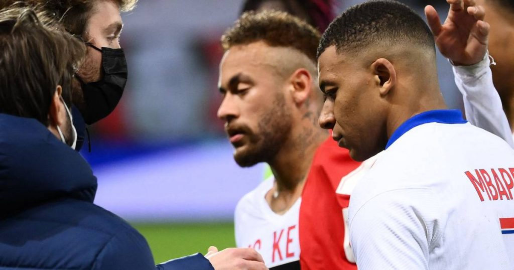 A bleak black evening for Paris Saint-Germain and Naples: Neymar and his teammates see Lille win the title, substitute Mertens and his team snatch the CL foreign football ticket