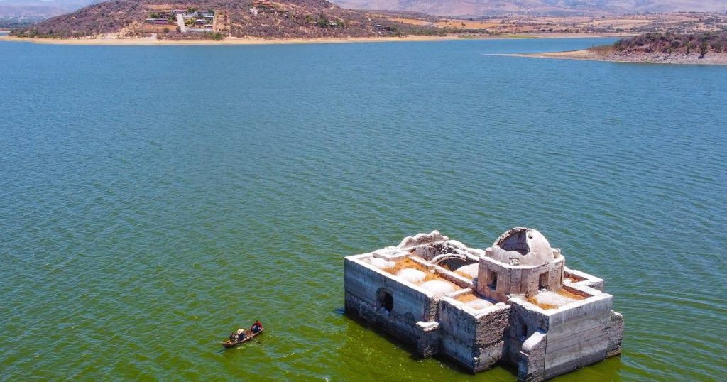 A historical temple rises from the water after 40 years due to severe drought    Instagram HLN