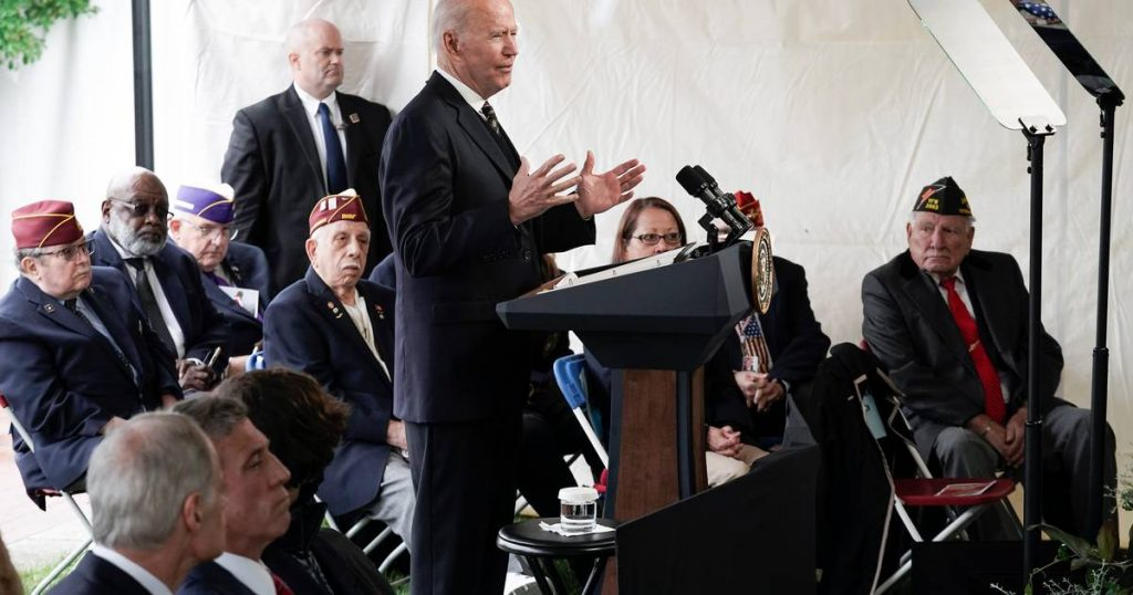 """Biden takes a strong stand against Russia: """"We will not stand by and watch them violate human rights"""" 