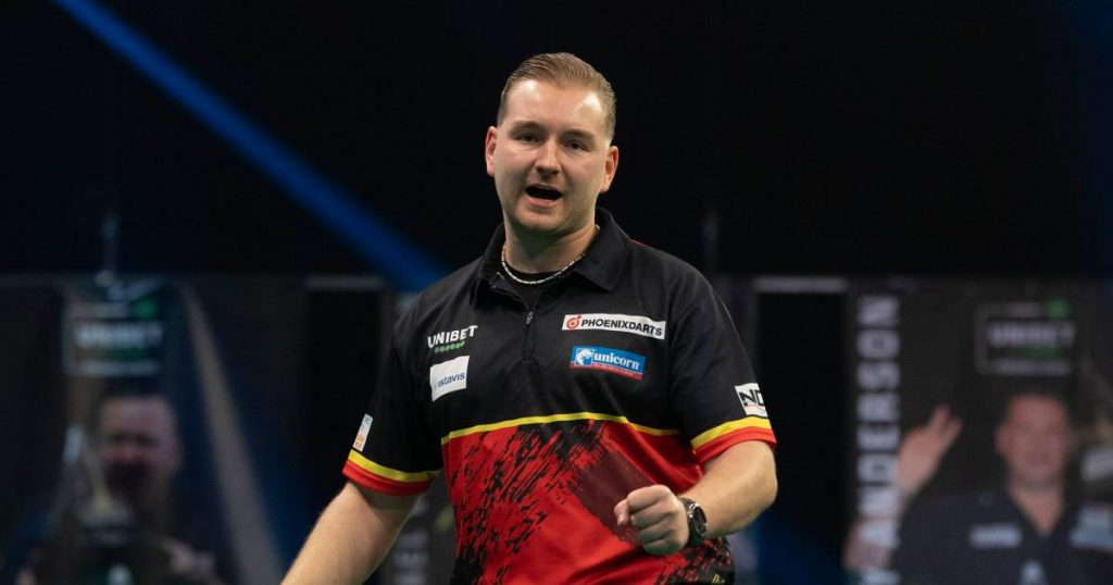 Dimitri van den Berg starts narrowly losing to De Souza in the final week of Premier League darts and gets out of the top four |  Darts in the Premier League