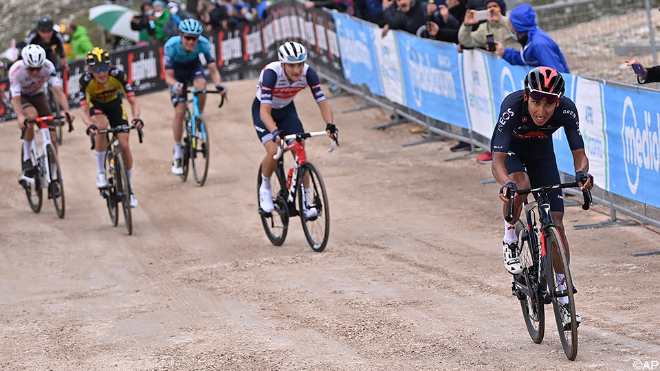 Egan Bernal Sits On Pink Throne, Remco Evenepoel (Fourth) Limits Damage |  Giro d'Italia 2021