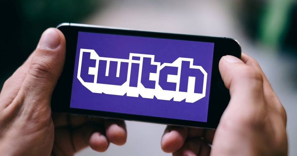 """Gaming site Twitch won't block the influx of """"sexy"""" women from the bathroom 