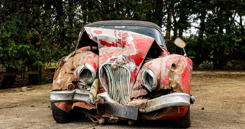 Jaguar wreckage has been in the shed for 25 years and is now still fetching over € 100,000 |  Instagram HLN