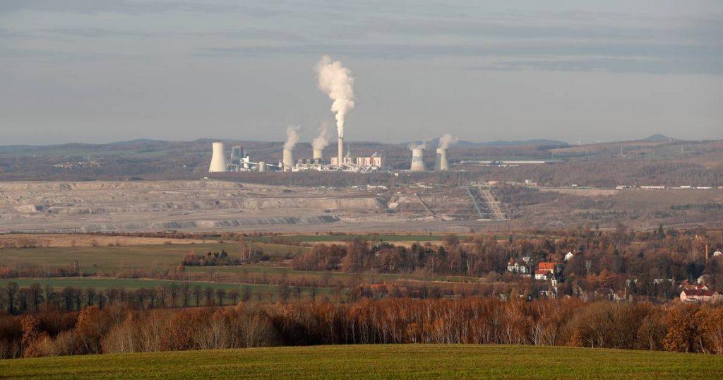 Poland keeps the lignite mine open despite a European court ruling |  abroad