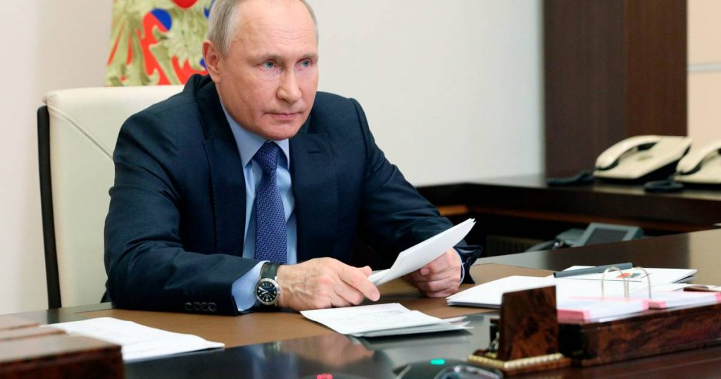 """Putin threatens to """"bite the teeth"""" of Russia's opponents 