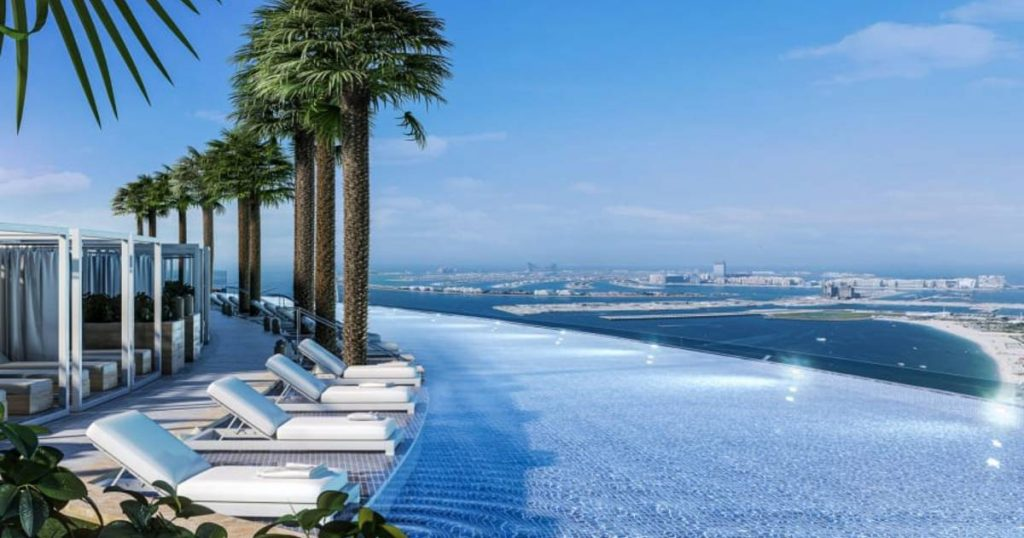 Swimming courses now set a record in the infinity pool on the roof of a skyscraper in Dubai |  for travel