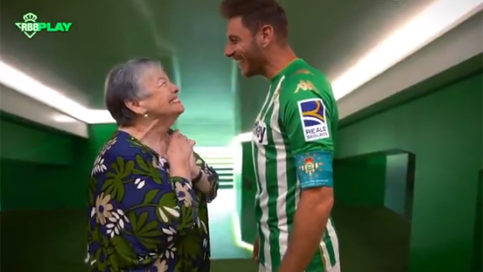 To the poetic undertones of 85-year-old theater actress: club icon Joaquin (39) extends in Betis until 2022 |  Special