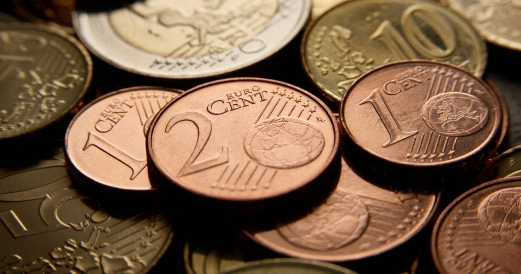 Two-thirds of eurozone residents want to get rid of a cent and two |  abroad