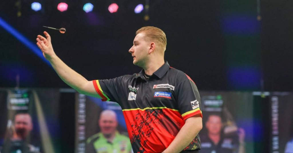 """Van den Berg faces a crucial game in the Premier League, commentator Eric Clarisse: """"For me Demi is the best player in the tournament"""" 