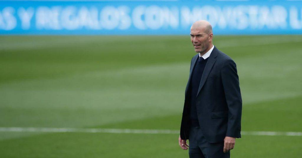 Zinedine Zidane will immediately step down as coach of Real Madrid  sport