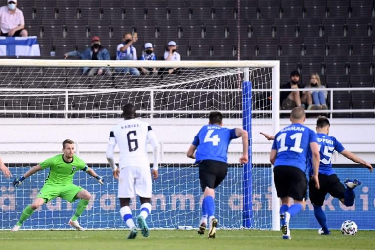 Cvičte doma.  Výhra Itálie proti České republice, Španělsku a Portugalsku nebodovala a soupeři Red Devils podlehli fotbalovému trpaslíkovi.