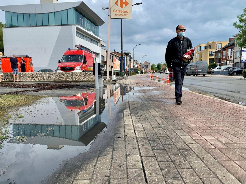The sewage system in Battelsesteenweg can no longer absorb rainwater.