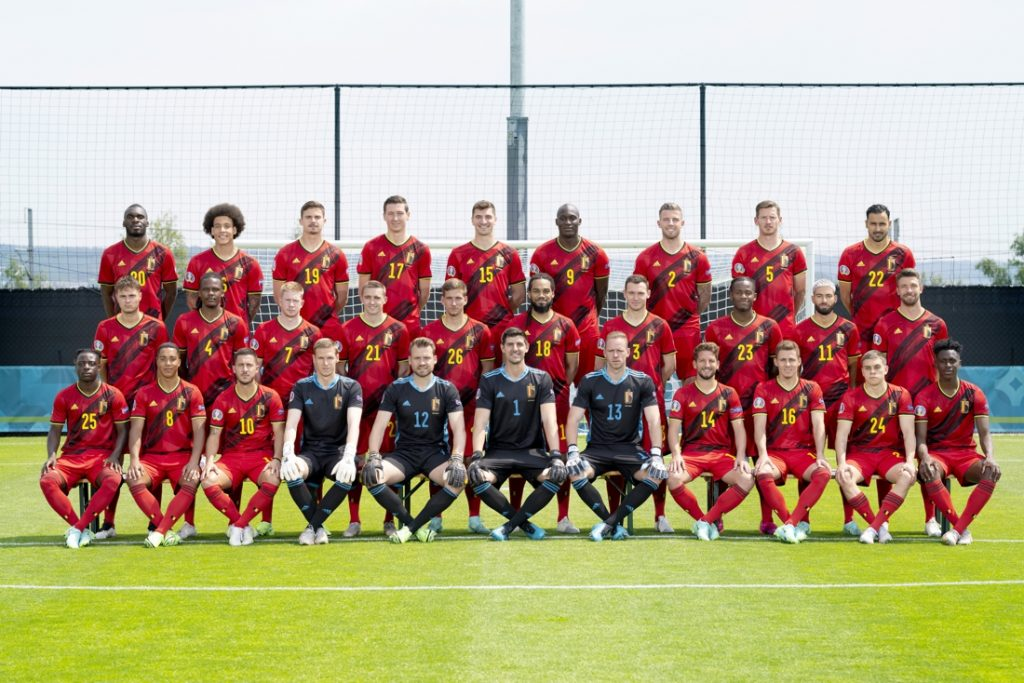 Here it is: the official team photo of the Red Devils...