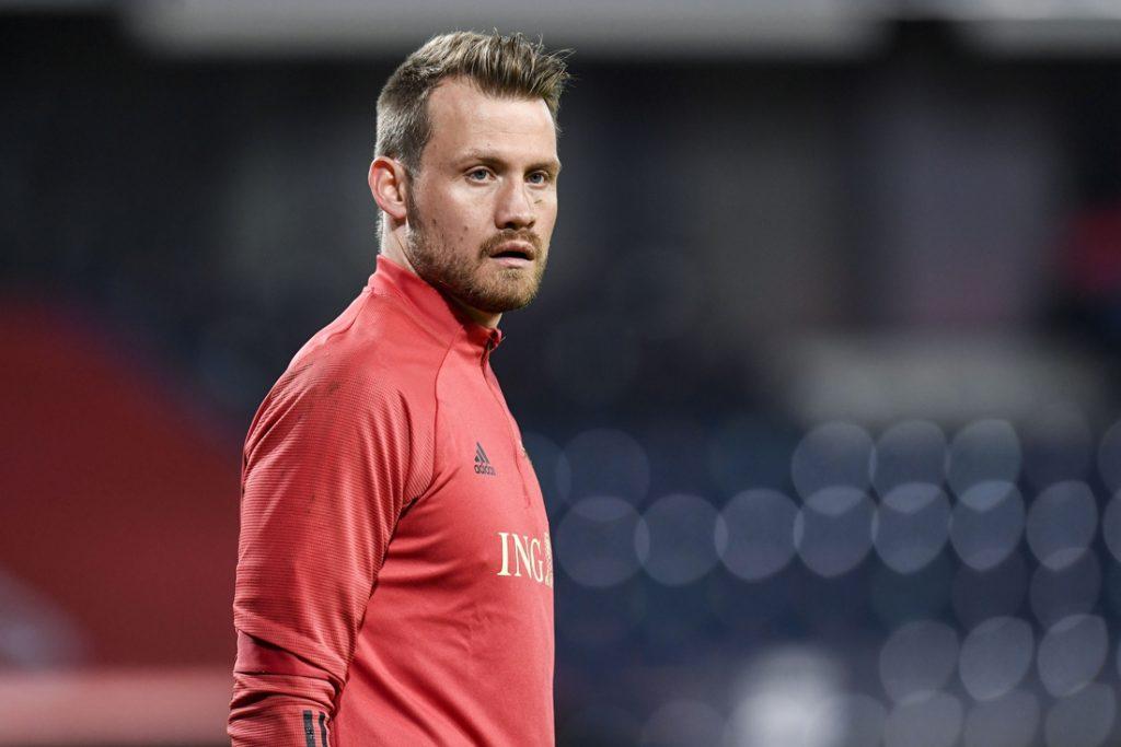 Einde EK voor Simon Mignolet: doelman verlaat selectie met blessure en wordt vervangen door Thomas Kaminski