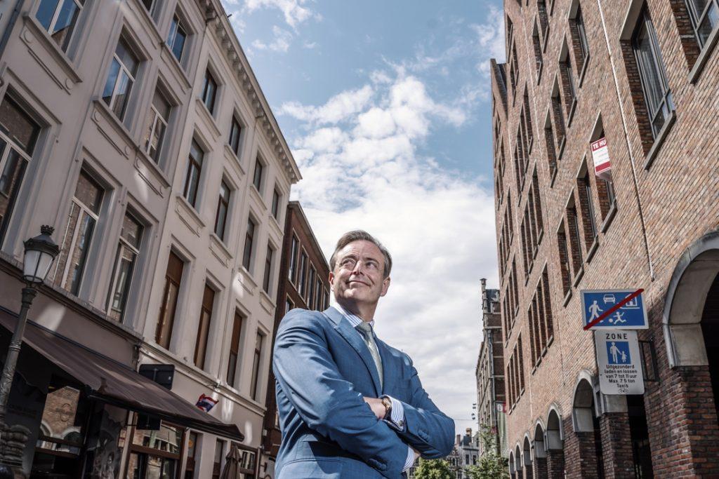 "Bart de Wever on PFOS contamination in Zwijendrecht: ""I paint ..."