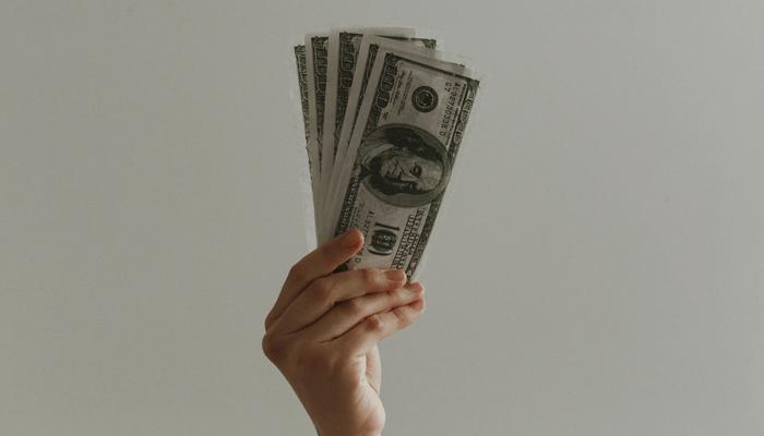Bitcoin (BTC) is geld en moet op dezelfde manier worden belast, zegt beroemde politicus Ron Paul