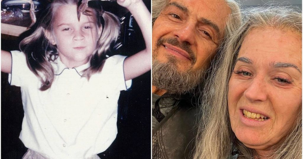 Celebrities 24/7.  Who recognizes the little girl in this photo or what about these two old people?  |  showbiz