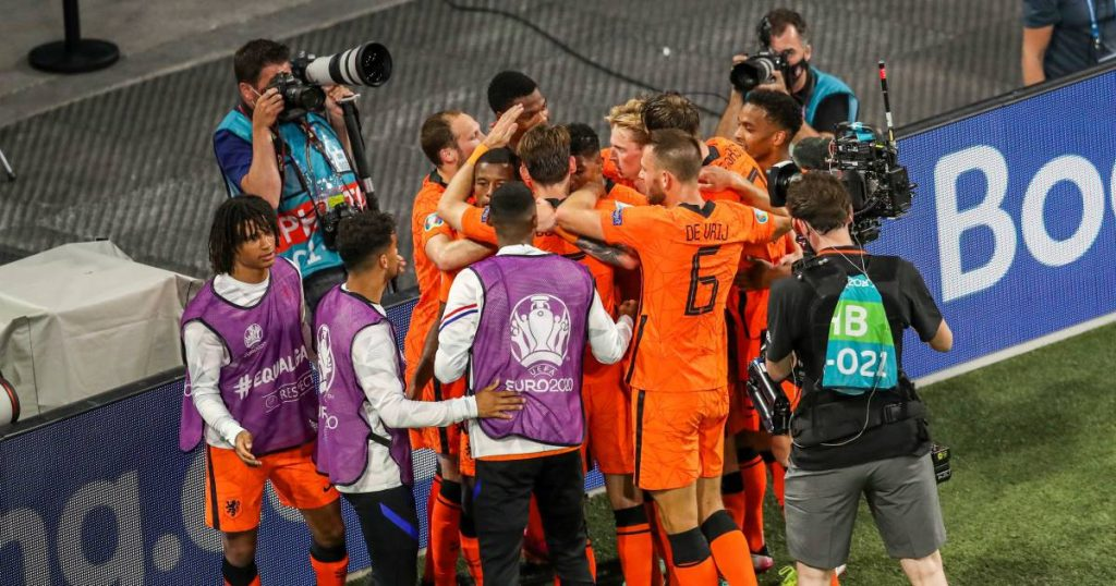 Crisis averted in time: Orange crosses the line in crazy final win over Ukraine |  European Football Championship (11 June - 11 July)