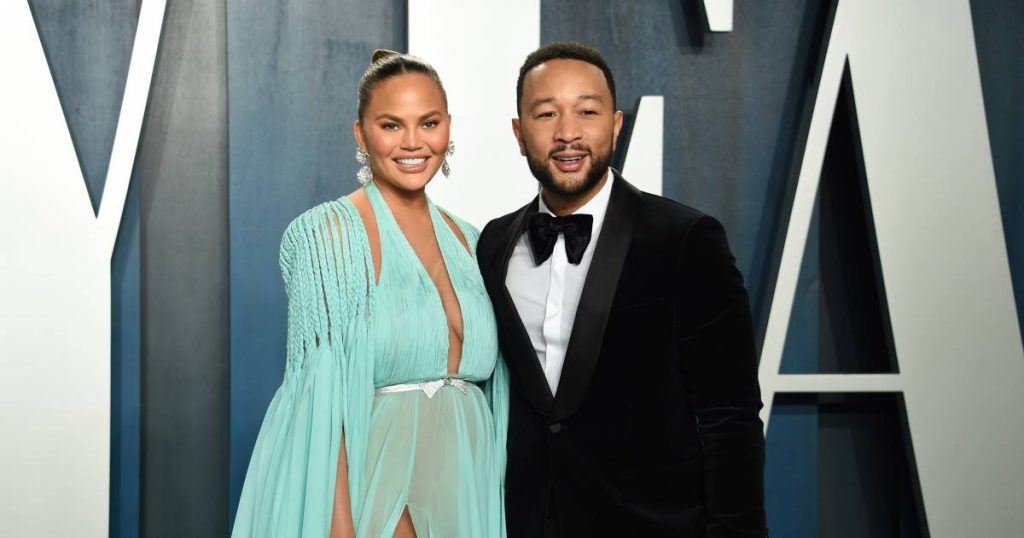 John Legend defends his wife Chrissy Teigen: 'Private messages from Michael Costello are fake'    Famous