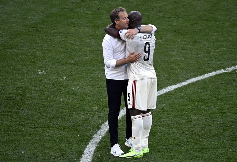 """Lukaku hugged the Danish coach immediately after the siren: """"I am forever grateful to them"""""""