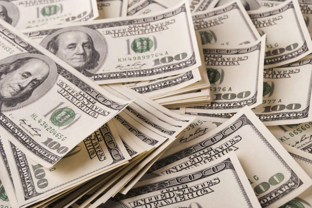 Oeps… Gezin ontvangt per ongeluk 42 miljard euro op rekening