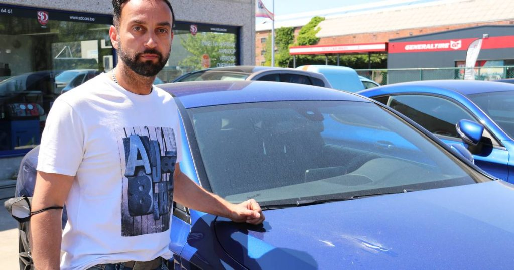 Vandals throw stones at five luxury cars in the car trade: 1000 euros reward for those who saw the perpetrator    Dendermond