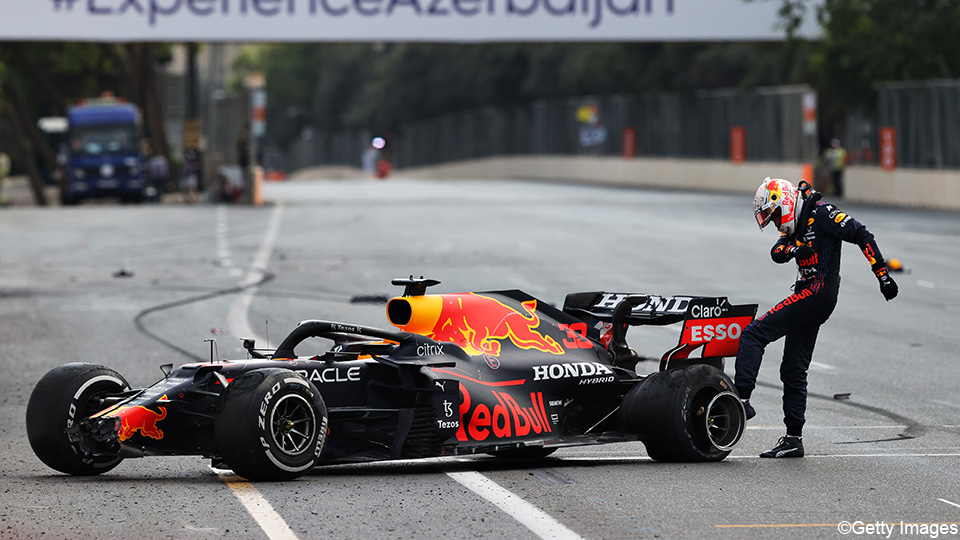 Verstappen after bad luck in Baku: 'This is a dirty sport sometimes' |  Formula 1