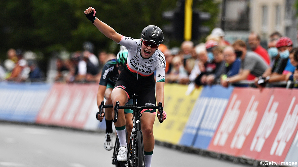 Misha Bredewold of the Netherlands wins the second stage of the Baloos Women's Tour |  Cycling