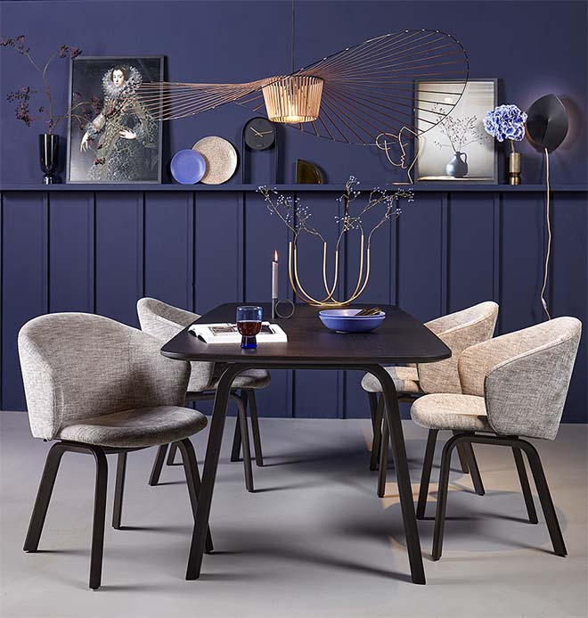 Dining room chair: vase or design object?