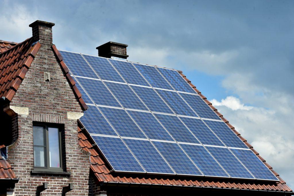 Eigenaars van zonnepanelen kunnen vanaf 2022 stroom schenken of verkopen