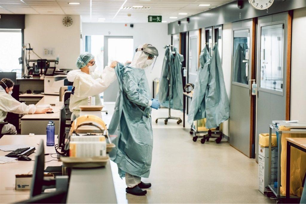 Overleden Belgische vrouw (90) bleek gelijktijdig besmet met twee coronavarianten