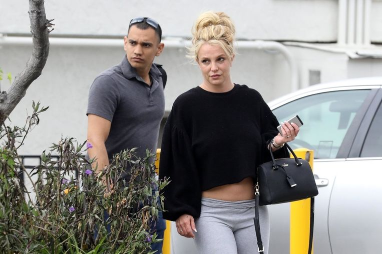 """Britney Spears is a """"poverty advocate"""" in Hollywood, according to Forbes magazine.  Where did her fortune go after that?"""