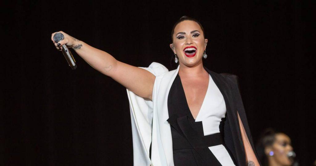 "Demi Lovato Loves Cover by Davina Michele: ""Can I Borrow That Trick?""  |  Music"