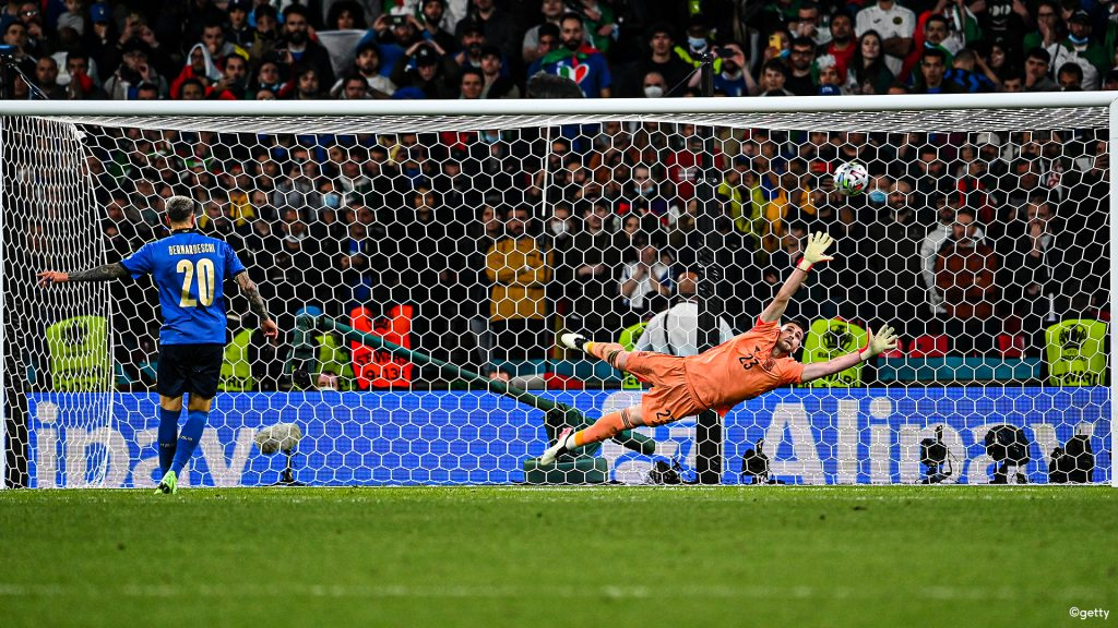 Did Italy have an unfair advantage by starting the penalties?  |  European Football Championship 2020