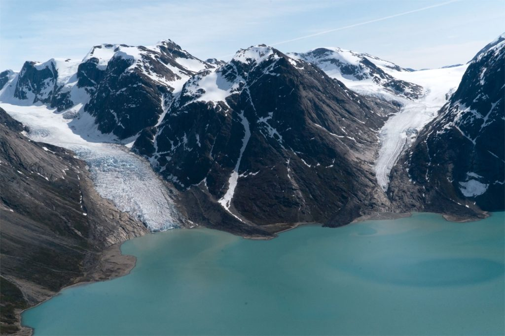 Greenland leaves oil in the ground
