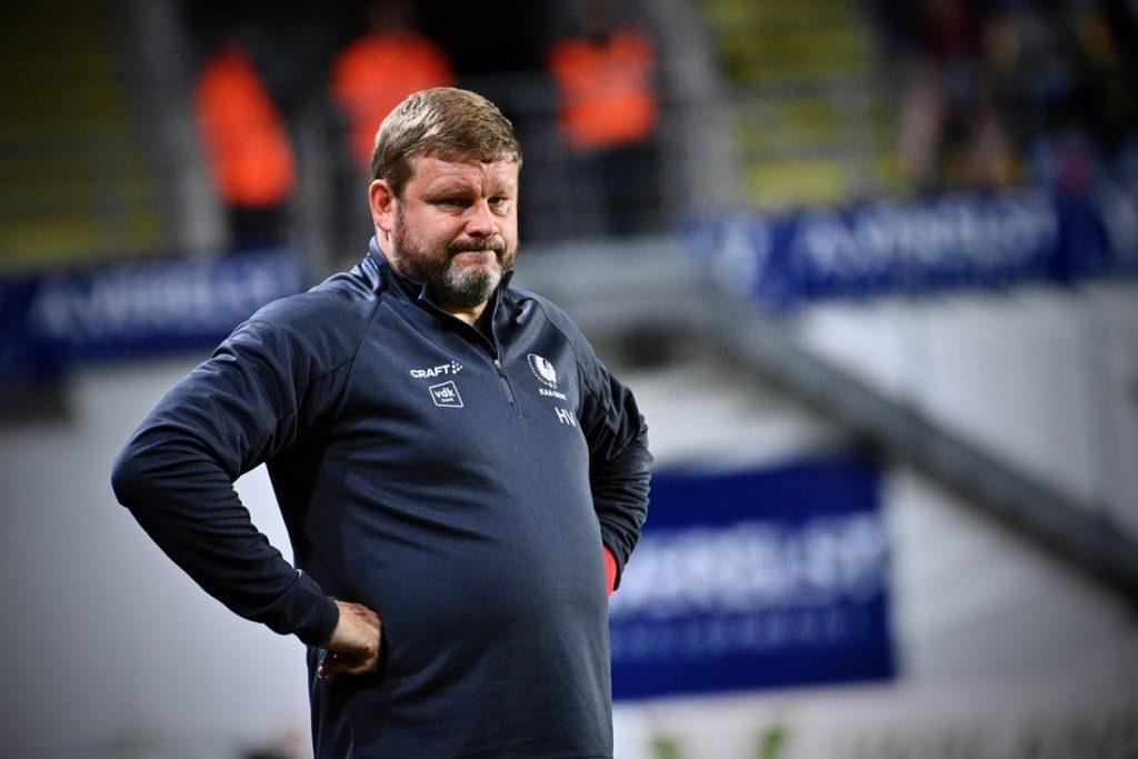 """Hein Vanhaezebrouck wil nederlaag AA Gent snel vergeten: """"We zijn door en dat was het voornaamste"""""""
