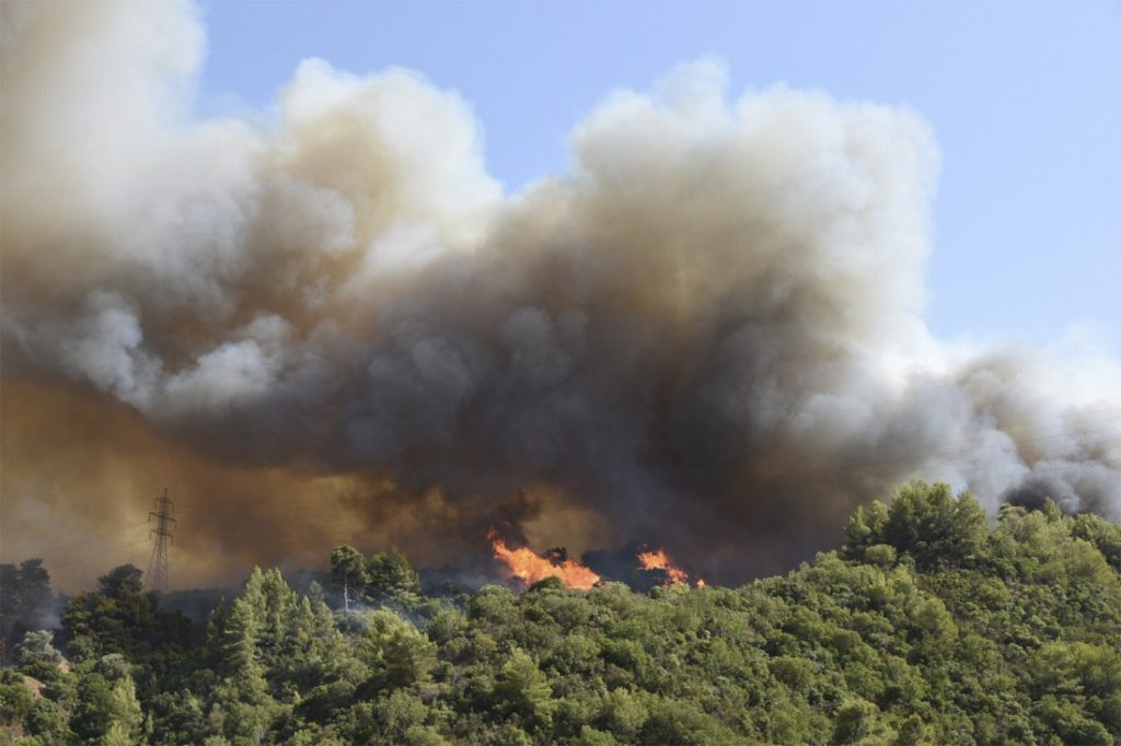 Historic heat wave in Greece, four villages evacuated due to ...