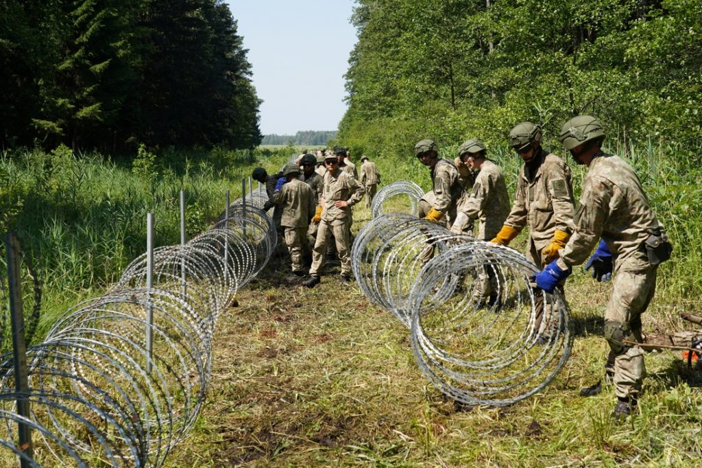 Lithuania to build a wall on the border of Belarus