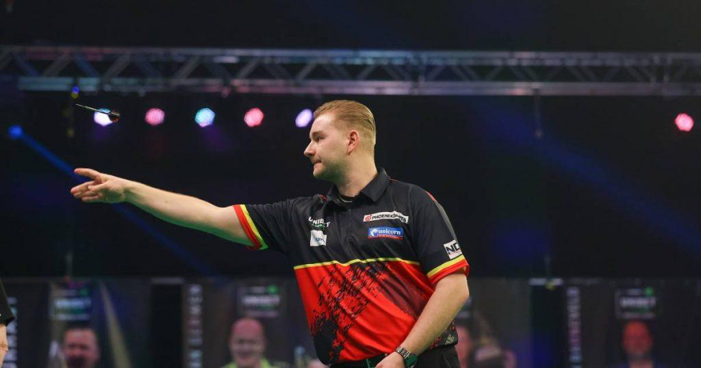 Nine Lord of Demi Dance!  Van den Berg breaks up with a perfect leg against Premier League winner Clayton |  More sports