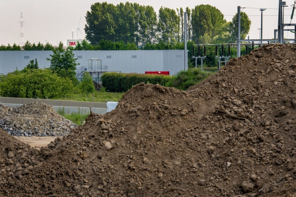 Soil remediation expert: Packaged PFOS soil takes nearly a century to ...