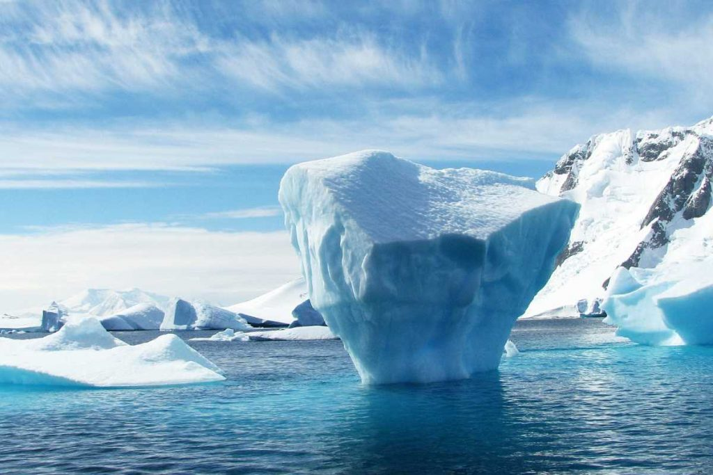 The Earth's cryosphere is shrinking by 87,000 square kilometers each year