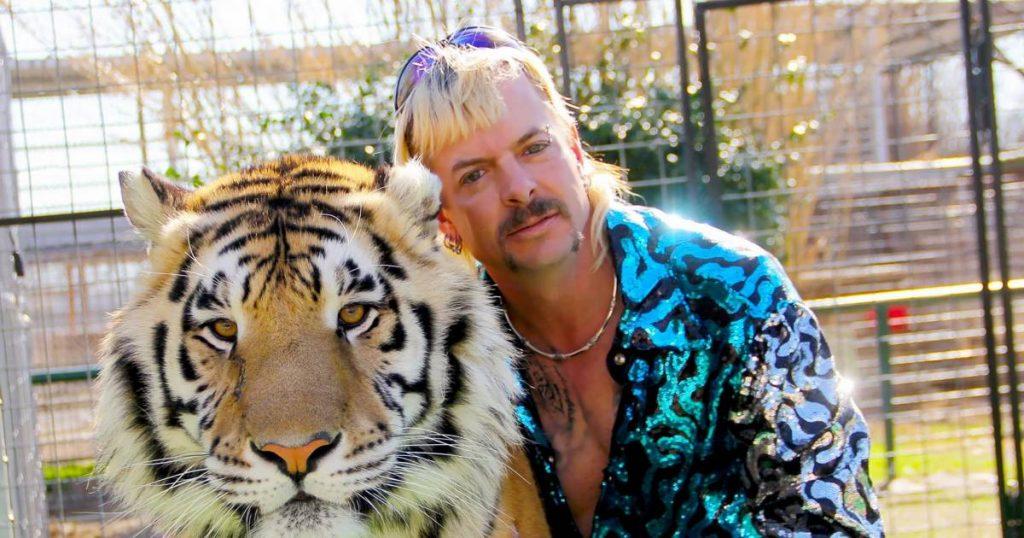 'Tiger King' star Joe Exotic jailed for review soon |  showbiz