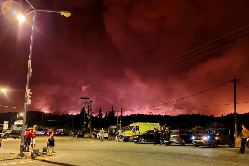 The situation in Greece is spiraling out of control: more than 1,300 in ...