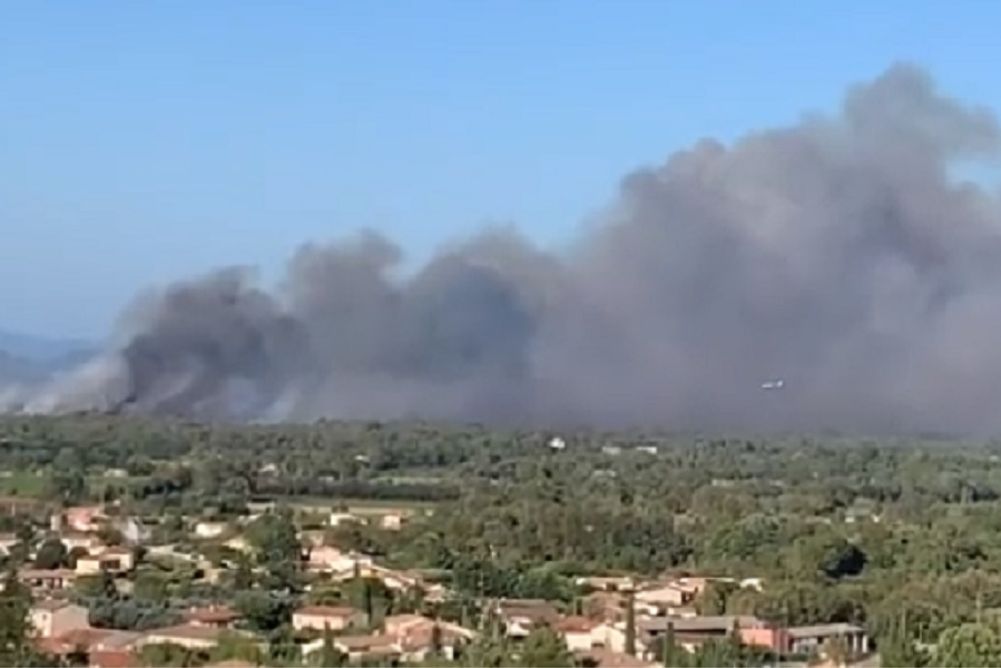 750 firefighters battle wildfires in southern France:...